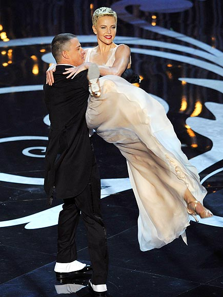 7. UH, CHARLIZE CAN DANCE?!