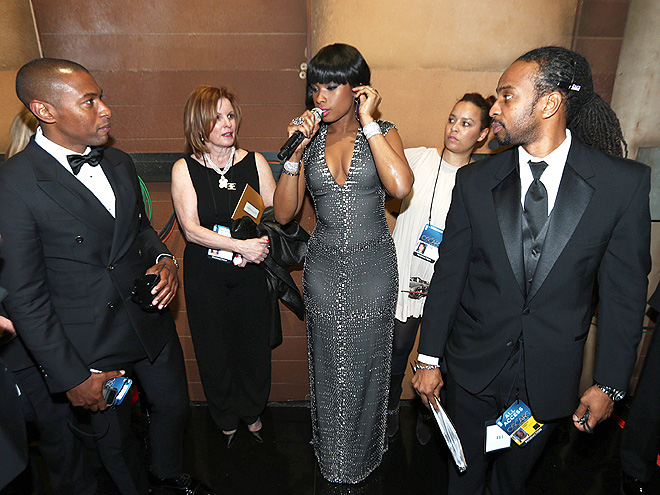 MIC CHECK photo | Jennifer Hudson