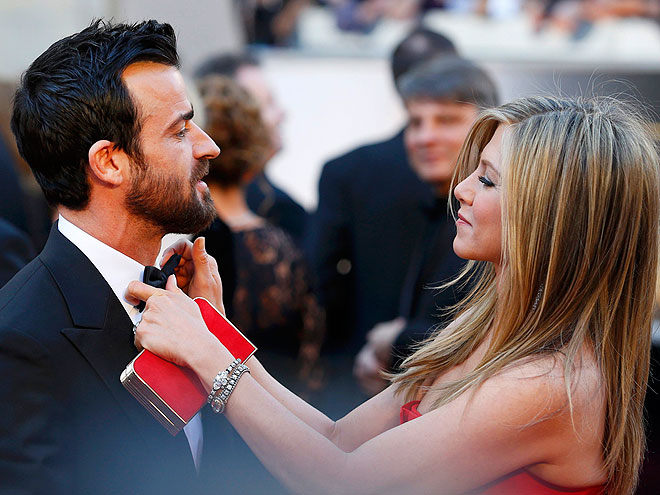 WHEN SHE SHUT DOWN SPECULATION OVER WHEN THEY WOULD GET MARRIED photo | Jennifer Aniston, Justin Theroux