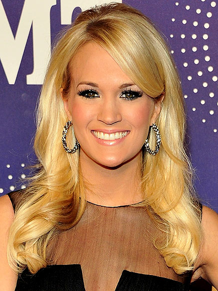 FIONA LOCKE STUDIO OSCAR GLOW TREATMENT photo | Carrie Underwood