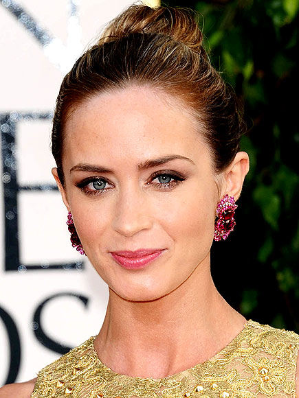 KINARA SPA RED CARPET FACIAL photo | Emily Blunt