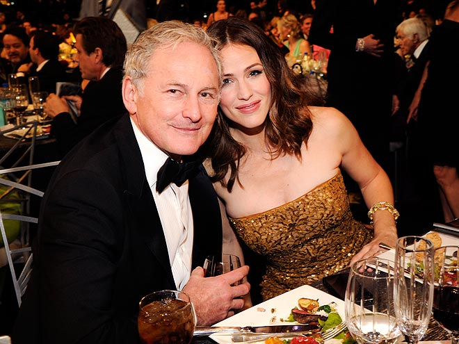 PLAYING CATCH-UP photo | Jennifer Garner, Victor Garber