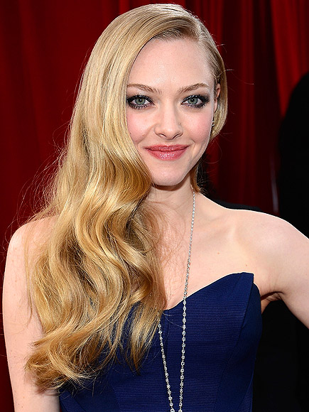 AMANDA&#39;S PINTEREST-WORTHY WAVES photo | Amanda Seyfried