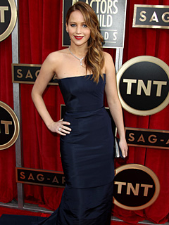 PHOTO: Jennifer Lawrence Stuns at SAG Awards – Pneumonia & All! | Jennifer Lawrence