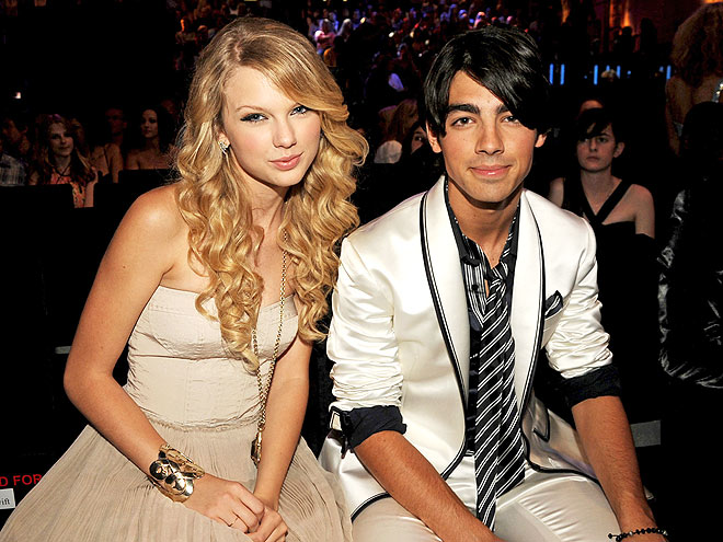 TAYLOR SWIFT & JOE JONAS photo | Joe Jonas, Taylor Swift