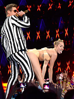 My Oh Miley! Cyrus Grinds on Robin Thicke at VMAs – & You React Accordingly | Miley Cyrus, Robin Thicke