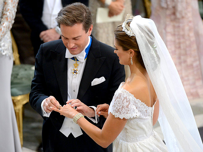 RINGING ENDORSEMENT photo | Princess Madeleine
