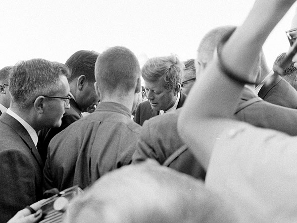 Rare and New Photos: President Kennedy Touring the U.S. in the Autumn of 1963| Kennedy Assassination, Jacqueline Kennedy Onassis, John F. Kennedy