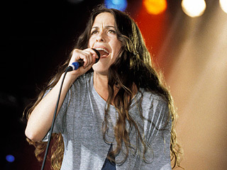 Alanis Morissette's Jagged Little Pill Will be Adapted for Broadway