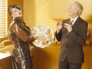 Lily Allen Takes Aim at Robin Thicke, Misogyny in New Music Video