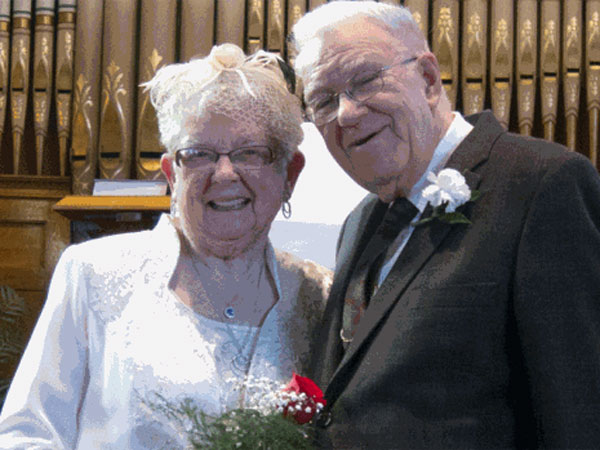Newlyweds at 90: Two Iowa Women Finally Marry After 72 Years Together| Weddings, Real People Stories