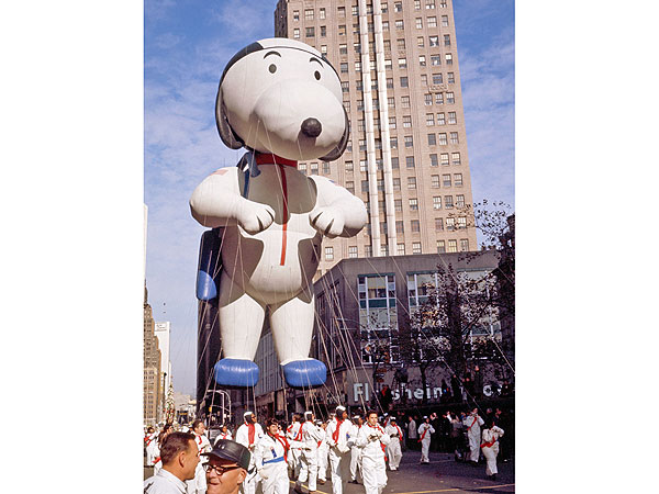 Thanksgiving Throwback: 13 Iconic Photos of the Macy's Parade| Macy's Thanksgiving Day Parade, Thanksgiving