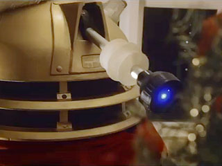 Watch How a Doctor Who Dalek Trims a Christmas Tree