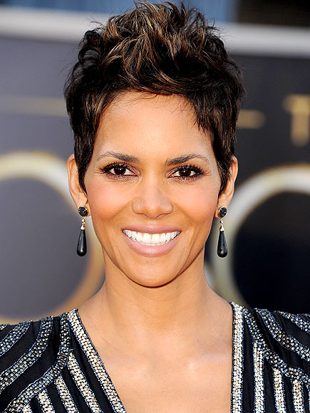 HALLE BERRY  48 photo  Halle Halle Berry