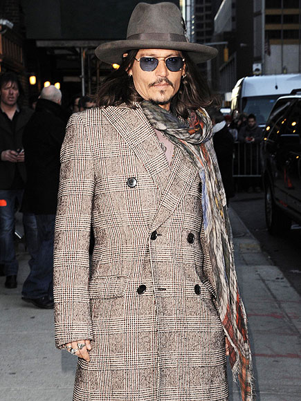HE'S NOT OBSESSED WITH HIS LOOKS photo | Johnny Depp