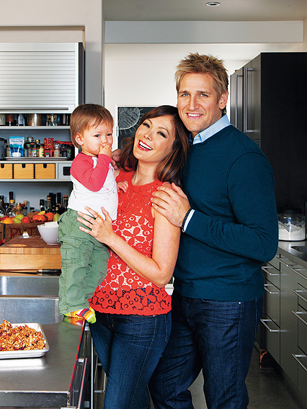 TOASTING MOM photo | Curtis Stone, Lindsay Price