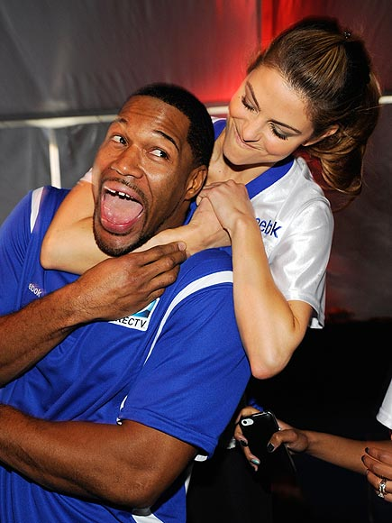 FOUL PLAY photo | Maria Menounos, Michael Strahan
