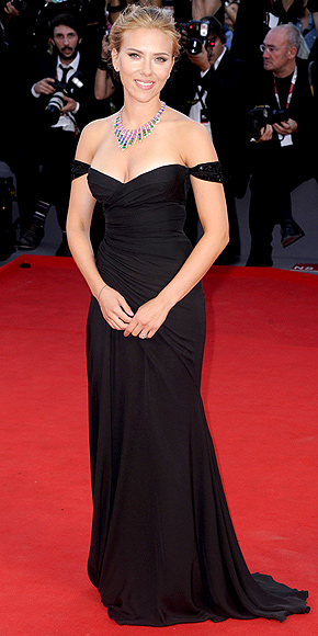 SCARLETT JOHANSSON AT THE UNDER THE SKIN VENICE PREMIERE  photo | Scarlett Johansson