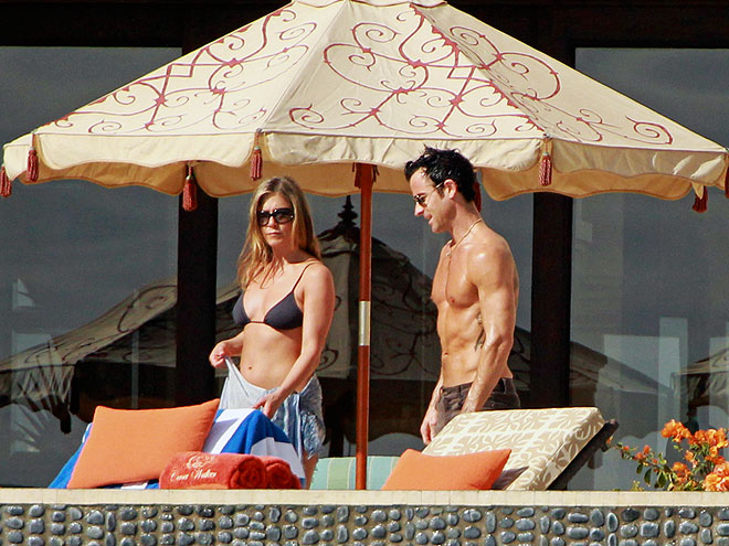 Hot Holiday photo | Jennifer Aniston, Justin Theroux