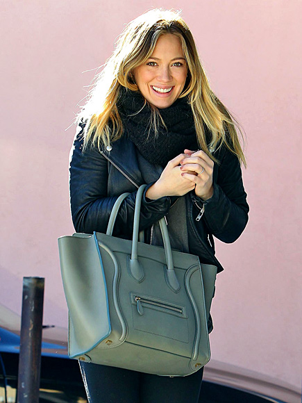BAG IN ACTION photo | Hilary Duff