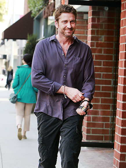 SHIRT STORY photo | Gerard Butler