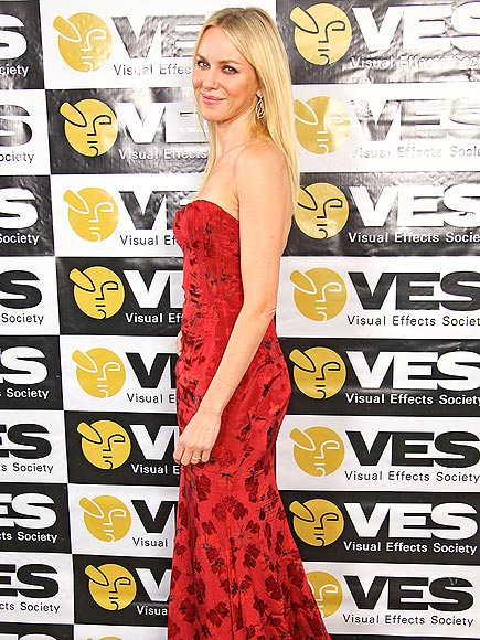 LADY IN RED photo | Naomi Watts