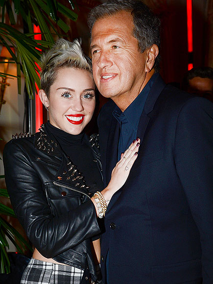 PRETTY AS A PICTURE photo | Mario Testino, Miley Cyrus