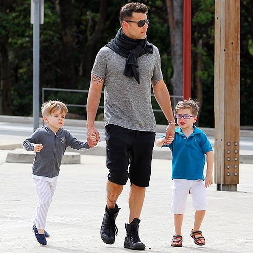 Рики Мартин с детьми