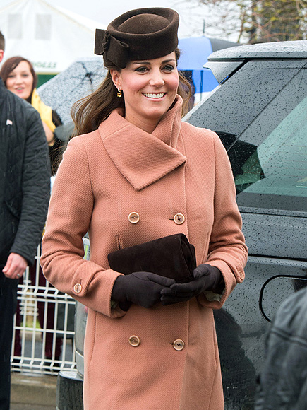 RACE-Y OUTFIT photo | Kate Middleton