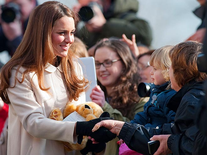 BEAR WITH IT photo | Kate Middleton