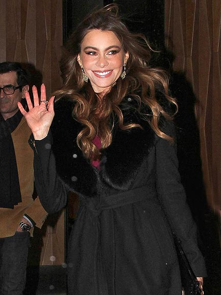 'HI' AND MIGHTY photo | Sofia Vergara