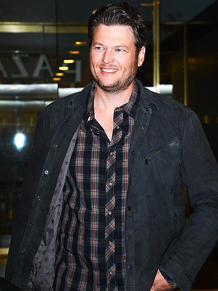 BUSY BODY photo | Blake Shelton