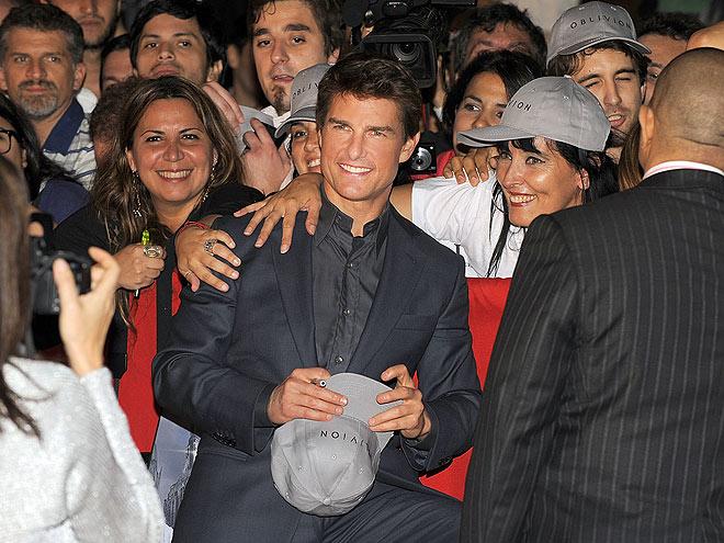 'BUENOS' DIAS photo | Tom Cruise