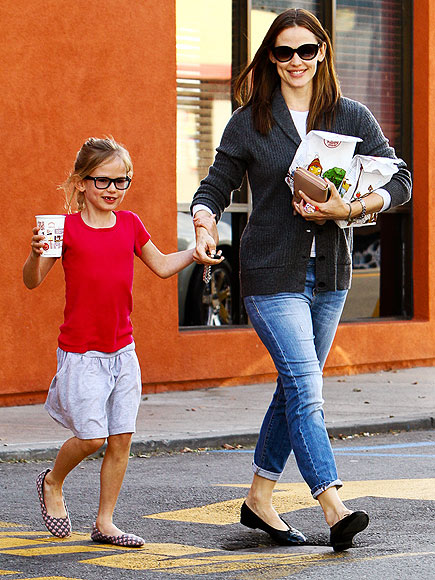 HAPPY MEAL photo | Jennifer Garner