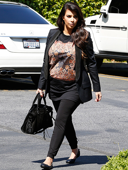 DRESSING DOWN photo | Kim Kardashian