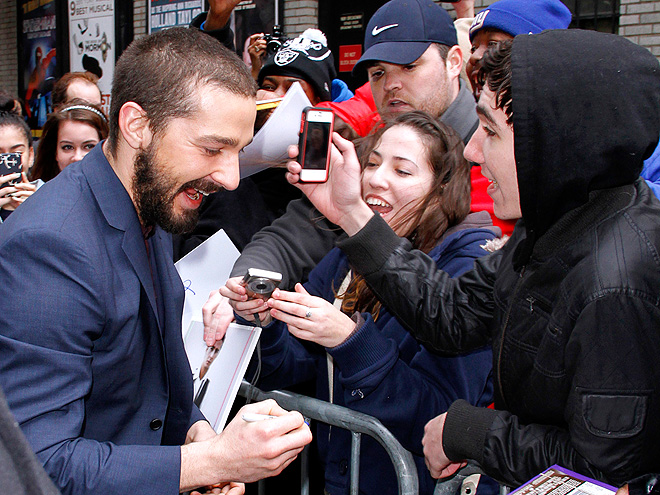 FAN FRENZY photo | Shia LaBeouf