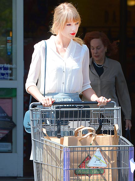 SHOP GIRL photo | Taylor Swift