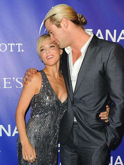 HAVING A 'BALL' photo | Chris Hemsworth, Elsa Pataky