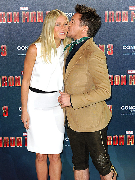 SMOOCH & A SMILE photo | Gwyneth Paltrow, Robert Downey Jr.