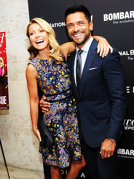 HANG ON photo | Kelly Ripa, Mark Consuelos