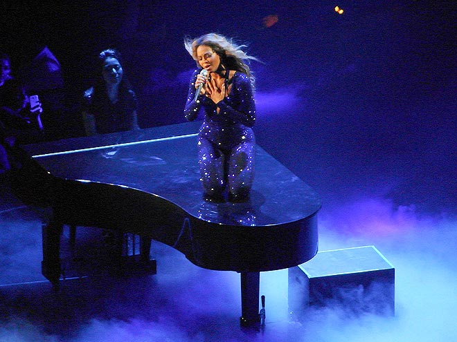 CENTER STAGE photo | Beyonce Knowles