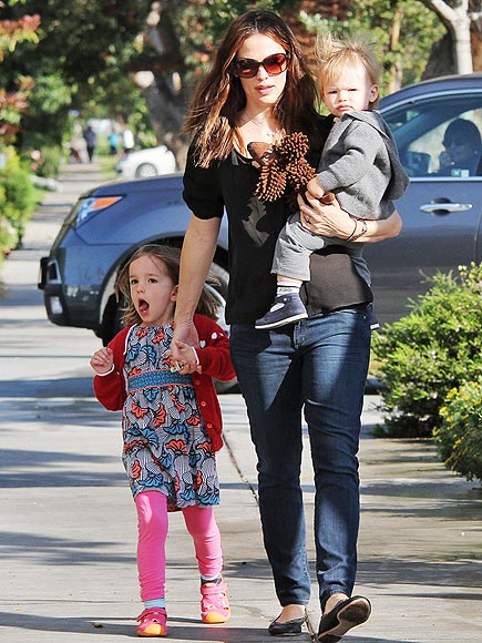 IN THE CLUTCH photo | Jennifer Garner