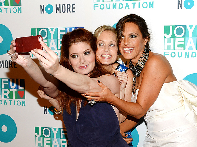 SNAP TO IT photo | Debra Messing, Mariska Hargitay
