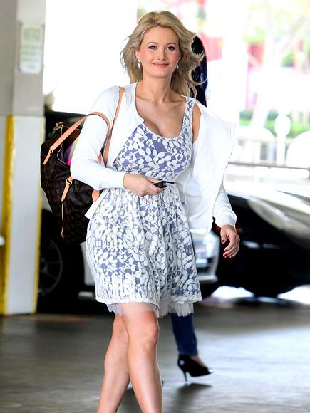 A STEP AHEAD photo   Holly Madison