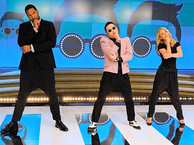 DANCE CLASS photo | Kelly Ripa, Michael Strahan