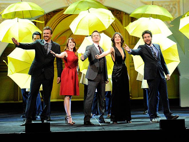 POUR IT ON photo | Alyson Hannigan, Cobie Smulders, Jason Segel, Josh Radnor, Neil Patrick Harris
