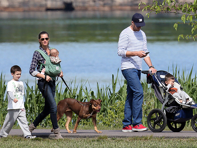 GANG'S ALL HERE photo | Gisele Bundchen, Tom Brady