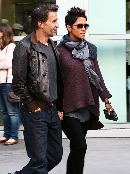 CLOSE TO YOU photo | Halle Berry, Olivier Martinez