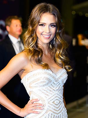 Star Tracks: Jessica: Hip To It | Jessica Alba