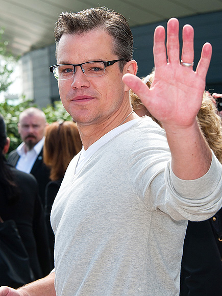 HI FIVE photo | Matt Damon